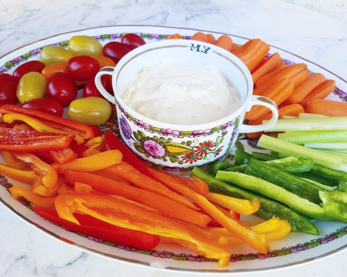 French Onion dip with raw vegetables